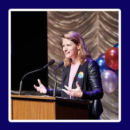 Lesley Rosenthal at podium speaking